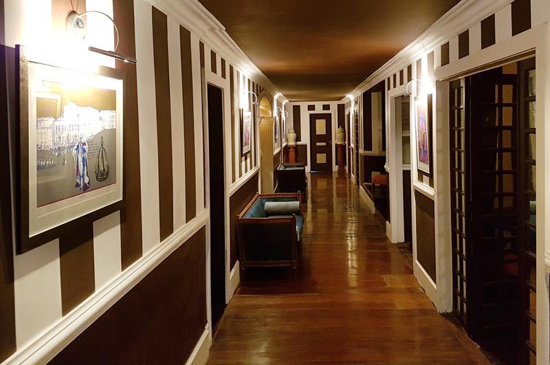 corredor das suites do by dussol