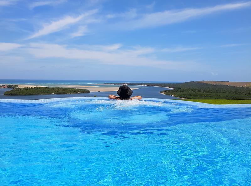 gungaporanga hotel piscina de borada infinita