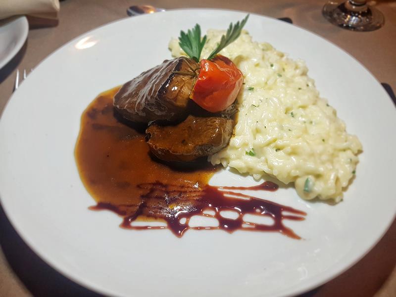 gungaporanga hotel jantar filet ao vinho