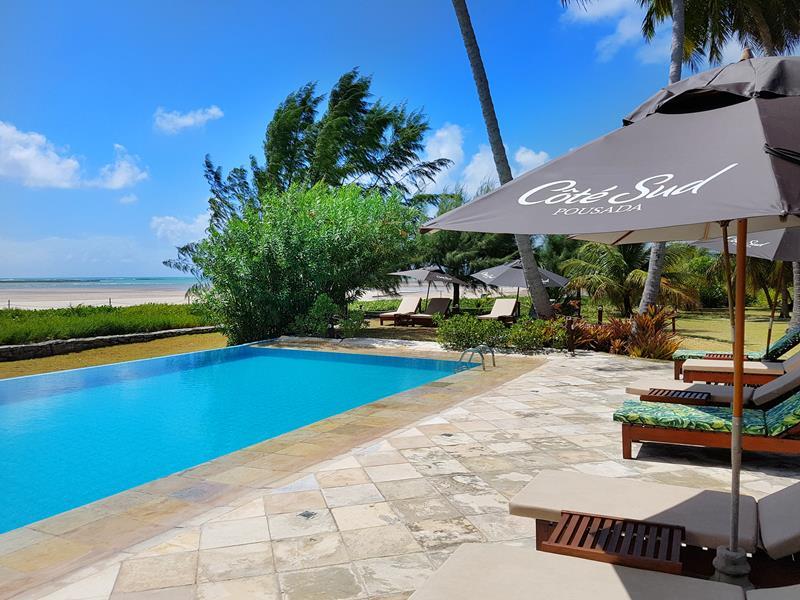 cote sud relax na piscina