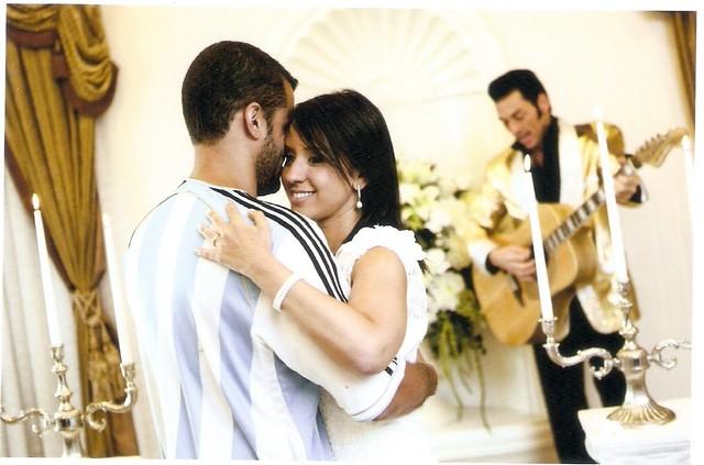 casal dançando no casamento em las vegas com elvis