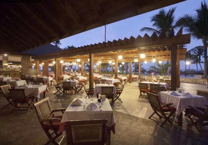 restaurante see & sea, mesas e cadeiras