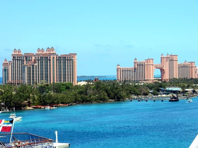 Céu Azul, Mar Azul, Resort Atlantis