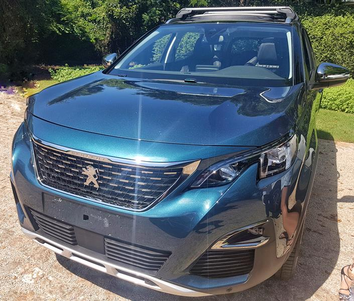 SUV Peugeot super carro