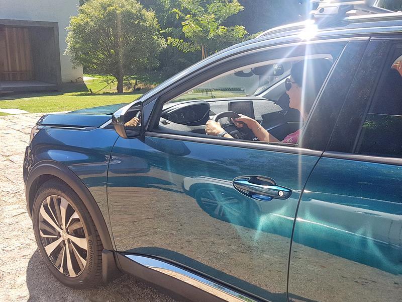 dirigindo o novo SUV peugeot 5008
