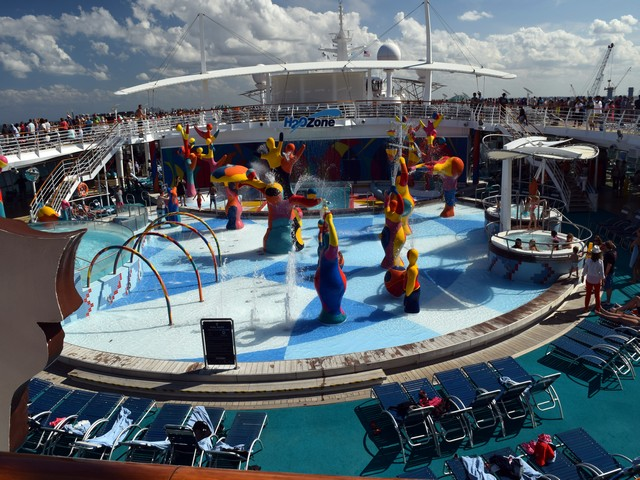 h2o splash zone independence of the seas