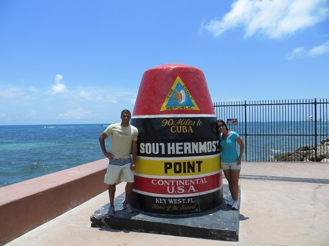 boia céu azul southernmost point key west