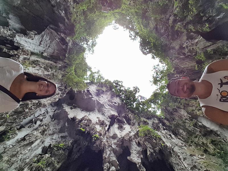 interior da caverna de batu caves