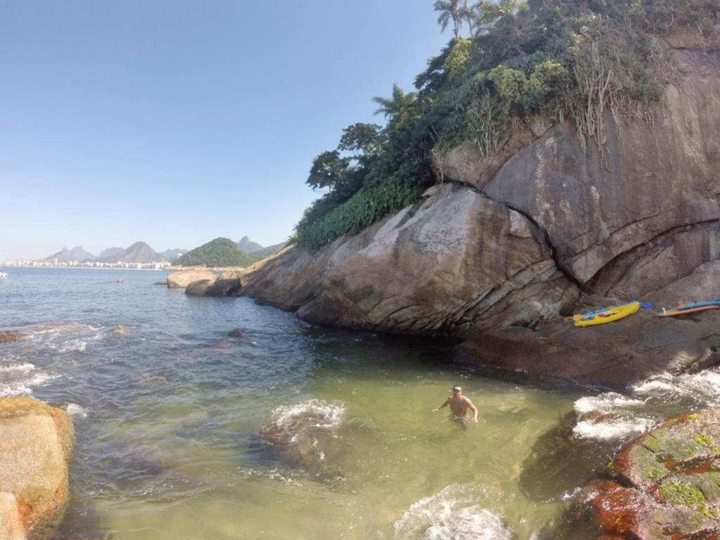piscina formada na ilha