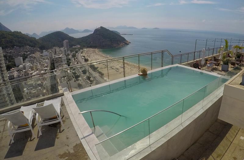 piscina cobertura do hilton