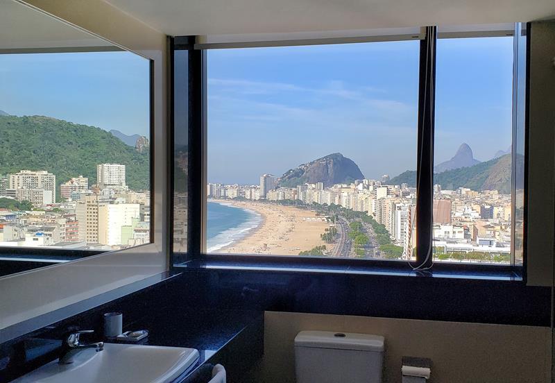 Vista do banheiro da nossa suite