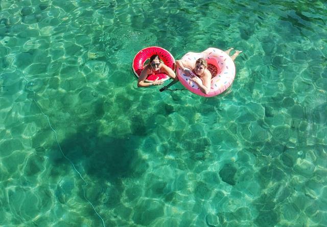 Lu e lili na lagoa azul