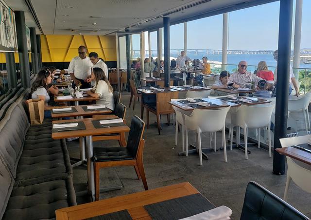 Área interna restaurante Mauá