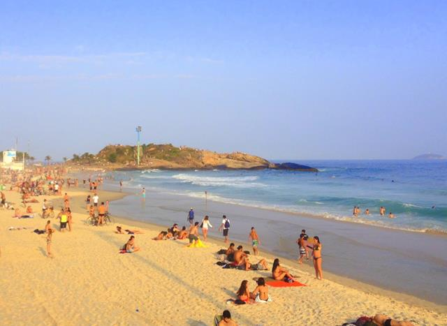 Pedra do Arpoador Vista da Praia de Ipanema