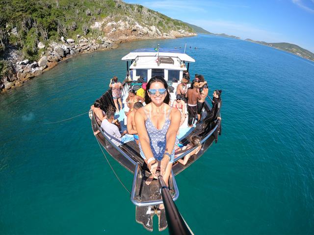barco do mergulho em Arraial