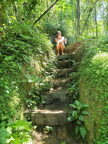 Escadas trilha catacumba