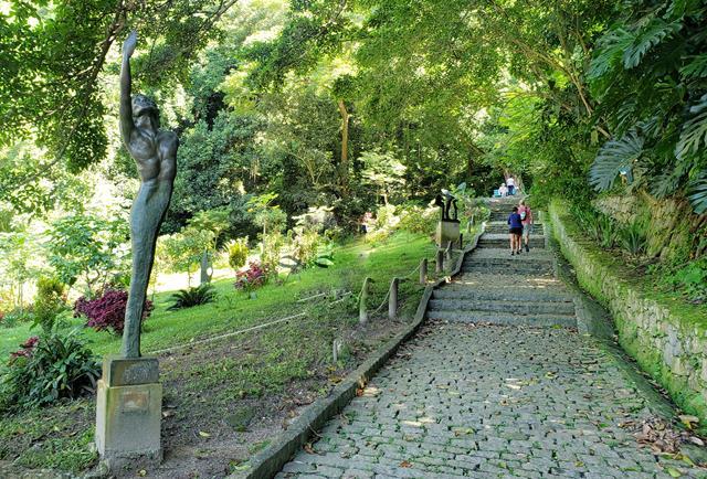 Inicio da trilha do parque da catacumba