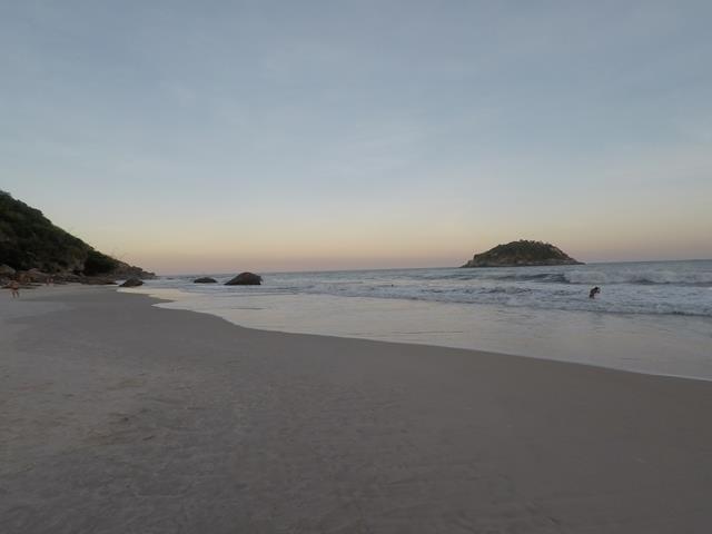 Praia do abrico por do sol