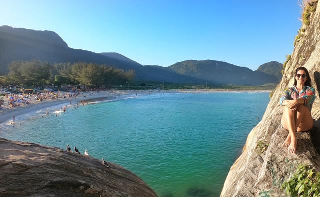 Vista da praia de Grumari do alto